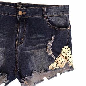 Indero shorts, size Large
